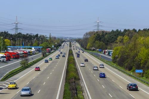 人工智慧跟人一樣都要懂得如何安全駕駛上路,所以人工智慧的駕訓班也出現啦!