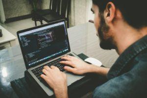 想成為前端工程師的你,知道RWD網頁與傳統網頁設計的差異嗎?