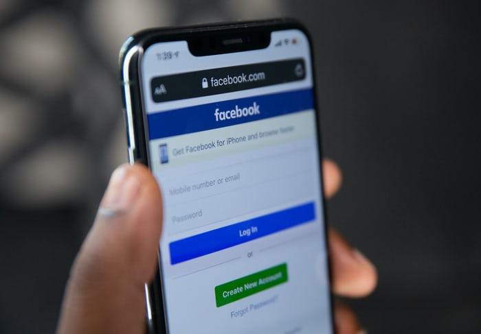 蘋果做了什麼竟讓Facebook急跳腳?兩大公司還就這樣槓上了!