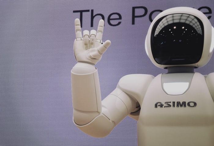 這個人工智慧成為首位非人類的專利發明者!?